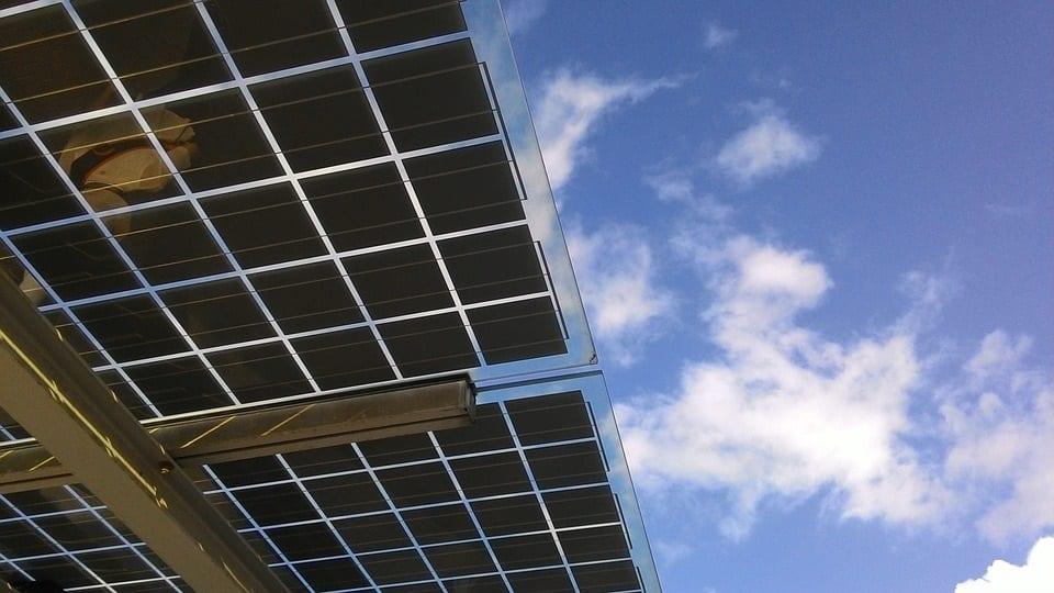 Cómo obtiene la energía un panel solar
